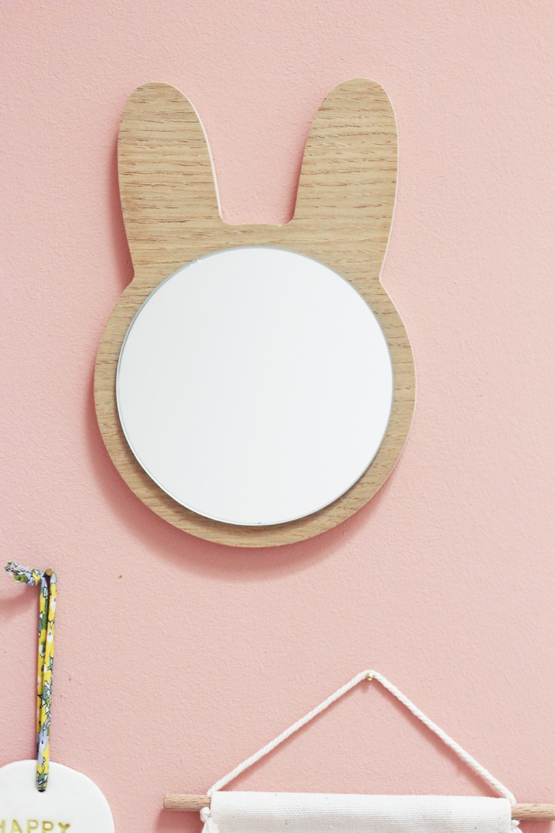 Rabbit wooden miroir