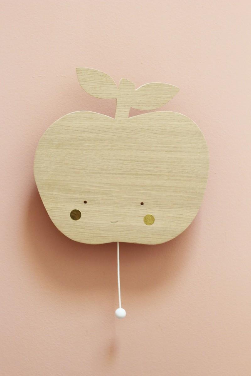 Boite à musique pomme en bois