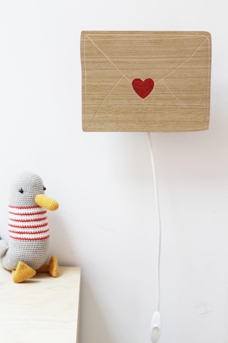 Applique lettre d'amour en bois
