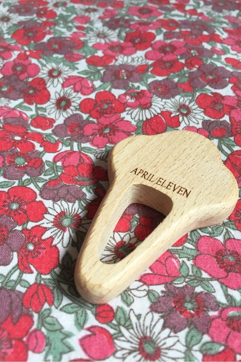 Anneau dentition cornet de glace en bois
