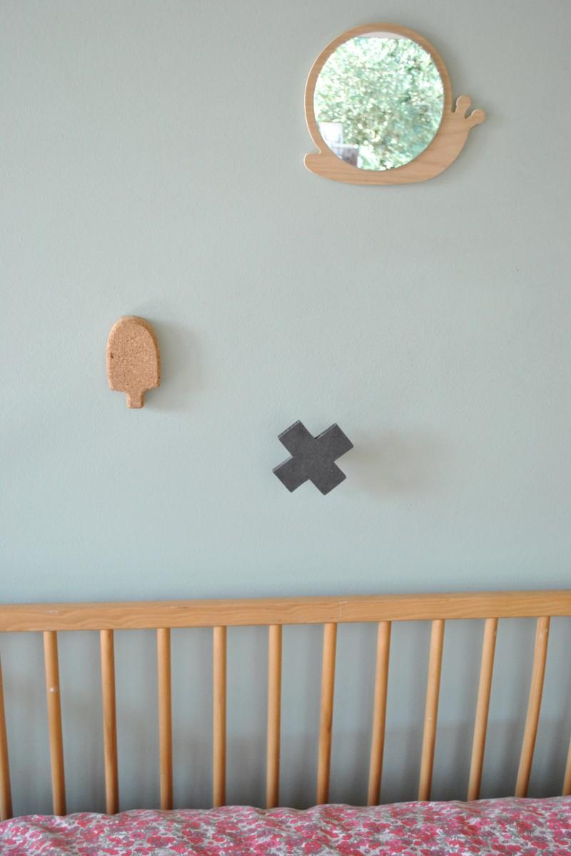 Miroir escargot en bois pour chambre d 39 enfant for Miroir pour chambre