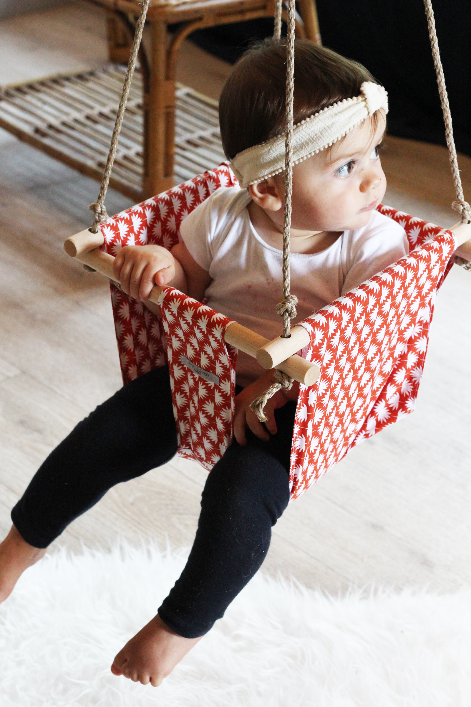 Comment Fixer Une Balançoire À Une Branche D Arbre une balançoire pour bébé / april eleven - blog d'idées déco