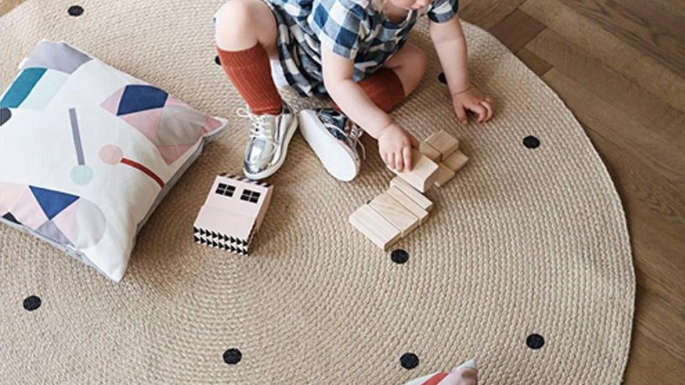 Un tapis dans la chambre de vos enfants