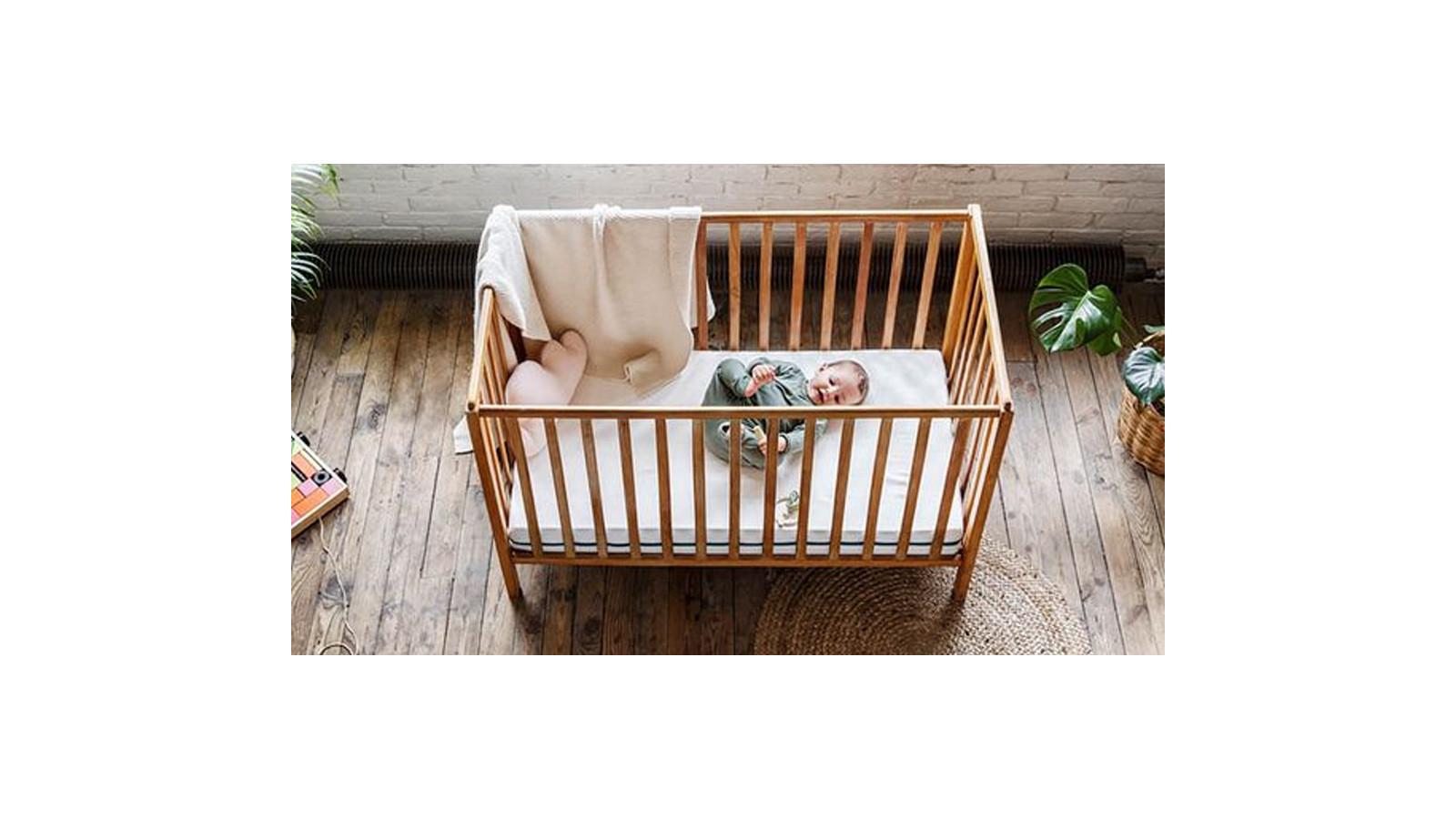 Chambre de bébé: l'agencer au moyen de matériaux sains